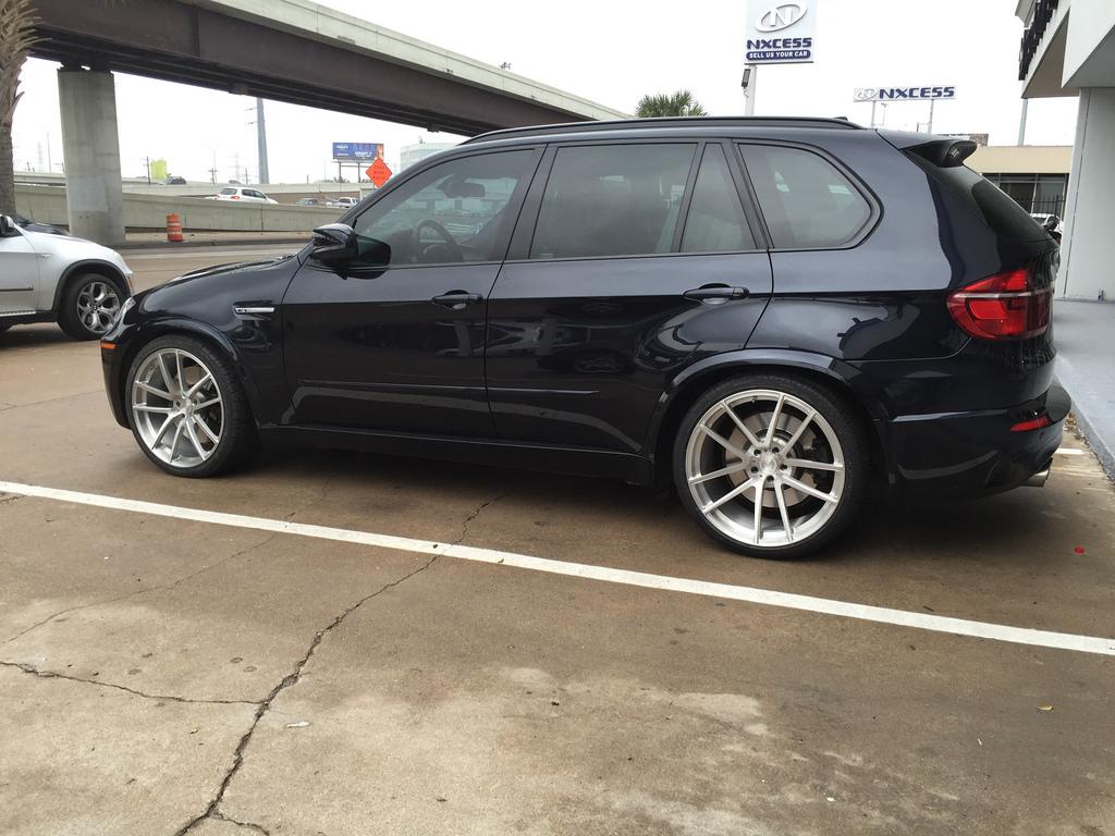 Bmw X5m On Velos Solo V Forged Wheels