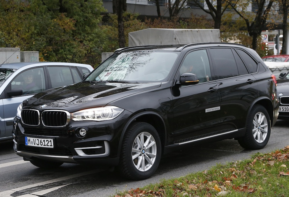 bmw x5 xdrive40e plug in hybrid out testing. Black Bedroom Furniture Sets. Home Design Ideas