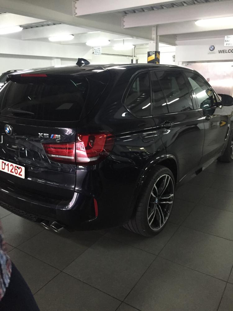 Carbon Black Metallic: X5M Carbon Black With Aragon Brown